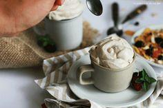 Iogurte Vegano com textura de iogurte Grego, cheio de proteínas, mega versátil e prático de fazer. Simmm, é possível e maravilhoso. ❤