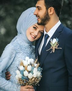 45 ideas for wedding couple poses woods Hijab Wedding, Muslimah Wedding Dress, Muslim Wedding Dresses, Muslim Brides, Muslim Wedding Photos, Muslim Women, Dress Wedding, Wedding Couple Poses Photography, Wedding Poses
