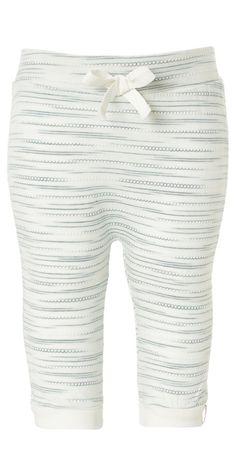 Hose Liz    Die Jersey-Mädchenhose Liz ist meliert und verfügt über einen elastischen Bund mit Schleife. Die Hose hat unten an den Beinen einen umgeschlagenen Saum. Sehr weich und bequem.    Material: 100% Baumwolle...