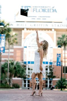 Graduation Photoshoot, Grad Pics, Graduation Pictures, Graduation Ideas, Senior Pics, Senior Pictures, Florida Gatora, Picture Ideas, Photo Ideas