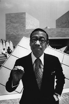 I.M. Pei in 1978, outside the Louvre. Photo by Marc Riboud #architectspecs