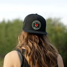 This high quality Snapback hat features a deep green Flannel Foxes patch. It is a black hat with a green under brim. One size fits all! Cute Tomboy Style, Fox Hat, Tomboy Fashion, Snapback Hats, Foxes, One Size Fits All, Flannel, Baseball Hats, Menswear