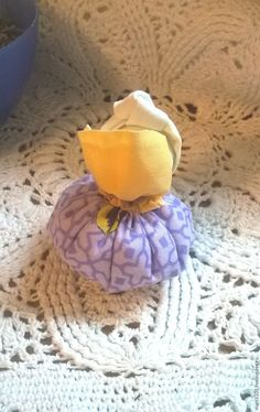 Делаем маленькую обережную куколку «Благополучница» – мастер-класс для начинающих и профессионалов Dolls, Decoration, Craft, Hand Crafts, Decorating, Puppet, Doll, Dekorasyon, Deko