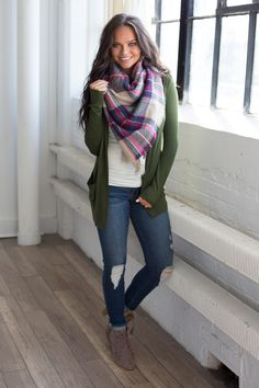 Down By The Bay Knit Cardigan - Olive - Magnolia Boutique outfitsotoño Simple Fall Outfits, Fall Fashion Outfits, Casual Winter Outfits, Mom Outfits, Fasion, Cute Outfits, Trendy Outfits, Cardigan Outfits, Knit Cardigan