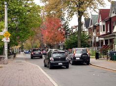 Toronto Photos :: Fall :: Street in Little Italy