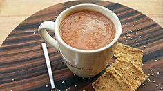 Avete voglia di un cappuccino? Allora provate questa versione crudista al latte di sesamo. Un ottima fonte di calcio e zinco. #crudismo #ricettecrudiste #vegan #rawfood #raw