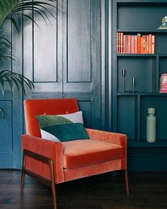 Top 5 color trends for this fall burnt orange velvet and navy - Daily Dream Decor Orange Vintage - Fashion, Home, Cars, Interiors and Nostalgia For Kate Beavis Burnt Orange Living Room Decor, Coral Living Rooms, Orange Rooms, Orange Home Decor, Bedroom Orange, Living Room Sofa, Orange Decorations, Burnt Orange Decor, Oranges Sofa