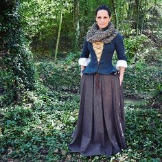 Obsessing over my Outlander season 1 Claire costume, what I want to buy/make to add to it, and when I can wear it again. On the blog is the build for the 18th century clothing made by me, hand knitted cowl from KnitPlayLove, and Outlander inspired silver Jacobite ring from Hamilton & Young. #outlanderseries #outlanderstarz #sassenach #hamiltonandyoung @hamiltonandyoung #costume #cosplay #claire #historicalcostume #scotland #jacobite #blogger #houstonblogger #redshoesredwine #blog #igdaily…