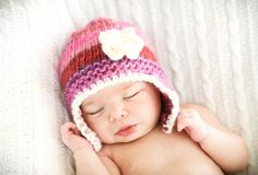 newborn knit hat from Lillebarn