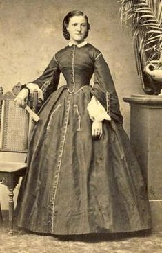 Civil War Era; I've seen this one many times, I just LOVE the pockets!