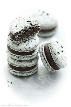 Cookies&Cream Macarons Totally trying to make my own tonight not sure the flavour yet though.....