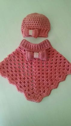 Baby Knitting Patterns Poncho This post was discovered by Mar Crochet Baby Poncho, Crochet Toddler, Baby Girl Crochet, Crochet Baby Clothes, Crochet Shawl, Knit Crochet, Free Crochet, Poncho Knitting Patterns, Crochet Patterns