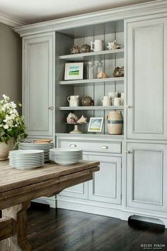 Heidi Piron Design and Cabinetry - gorgeous built-in kitchen dresser painted a soft antique- gray blue - Home Decoration - Interior Design Ideas Dining Room Hutch, Dining Area, Dining Rooms, Dining Room Storage Cabinets, Room Shelves, Open Shelves, Kitchen Storage, Shelving, Dining Table