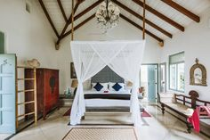 138 astoundingly beautiful and romantic hotel rooms Airy Bedroom, Home Bedroom, Bedroom Decor, Bedroom Ideas, Bedroom Inspo, Master Bedroom, Romantic Hotel Rooms, Boudoir, Best Interior