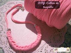DIY: Collar de trapillo en color flúor ¡Utiliza tus propias manos como si fueran un telar!