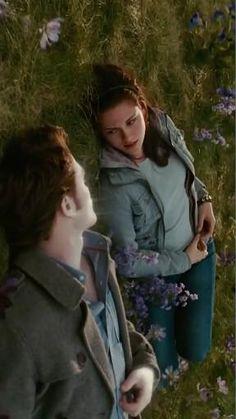 Twilight Movie Scenes, Twilight Videos, Twilight Saga Series, Twilight Edward, Twilight Cast, Twilight Book, Edward Bella, Twilight Pictures, Twilight New Moon