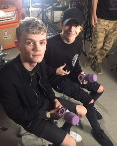 Charlie and leo Baby Bar, Bars And Melody, I Love Him, My Love, Mannequin, Leo, Celebs, Guys, Idole