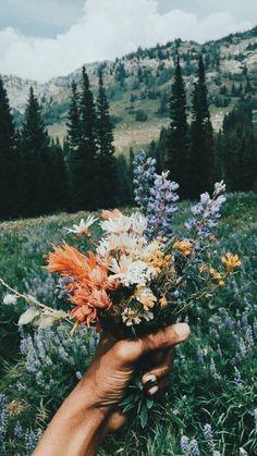 Quotes about Missing : Bouquet de fleurs sauvages Wild Flowers, Beautiful Flowers, Forest Flowers, Bouquet Flowers, Field Of Flowers, Wedding Flowers, Spring Flowers, Forest Plants, Boho Flowers