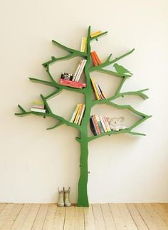A clever way to display and store children's books: Inspire a love of books in young readers by keeping their beloved stories easy to see and reach.
