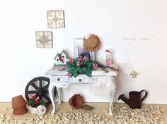 Miniatura para casas de muñecas. Mueble para casas de muñecas. de MinisbyAngie en Etsy https://www.etsy.com/mx/listing/157816702/miniatura-para-casas-de-munecas-mueble