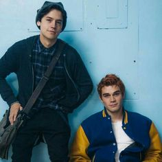 "Archie (KJ Apa) and Jughead (Cole Sprouse) from the 2017 ""Riverdale"" TV series on the CW. Kj Apa Riverdale, Riverdale Aesthetic, Riverdale Memes, Riverdale Cast, Riverdale Archie, Archie Andrews Riverdale, Riverdale Tv Show, Archie Comics, Zack E Cold"