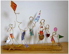 Une journée à la plage - figurines en ficelle et papiers - décoration maison cadeau - To the beach - sculpture in copper wire and paper
