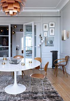 Une salle à manger design au mobilier entièrement chiné - Marie Claire Maison