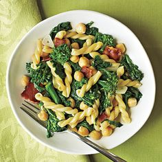 Take food you already have in the pantry--like bacon and broccoli--to make this delicious pasta dish.
