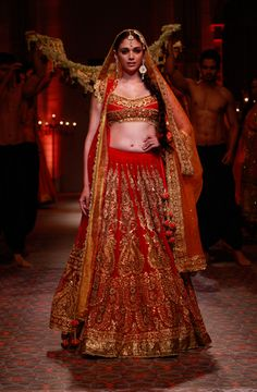 15 Best Couture Looks from Bridal Fashion Week | VOGUE India