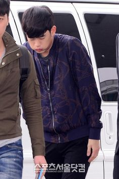 awesome 03/04/2014 Kim Soo Hyun from Incheon Airport, Korea -> Baiyun Airport in Guangzhou, China