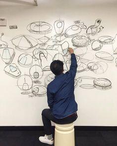 whiteboard sketching hilft, kreative blockade zu lösen und sich nicht in details zu verlieren (im Vgl Zeichnen Kleinformat mit Stift) _frogdesign