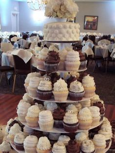 Gigi\'s Cupcakes wedding reception cupcake stands - mix of minis and ...