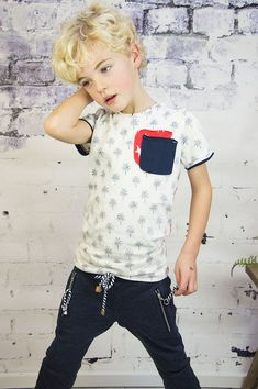 Moda infantil Archivos - Página 4 de 112 - Minimoda.es Teen Boys, Kids Boys, Fashion Sewing, Boy Fashion, Boys Clothes Style, Camisa Polo, Summer Boy, Boys Shirts, Cute Boys