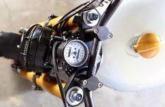 Racing Cafè: Yamaha XJ 900 by Tarmac Custom Motorcycles Yamaha Cafe Racer, Xj Yamaha, Yamaha Bikes, Ducati, Cafe Racers, Custom Motorcycles, Custom Bikes, Brat Cafe, Cafe Racer Magazine