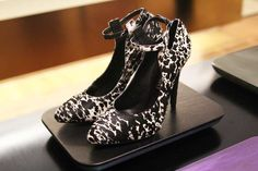 SW1, the new high end line of shoes and accessories by Stuart Weitzman