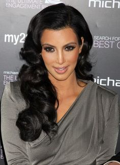 I'm now obsessed on doing her makeup style, however, I was told I need to do strong eyes in order to get those cheeks working  Kim Kardashian Hair