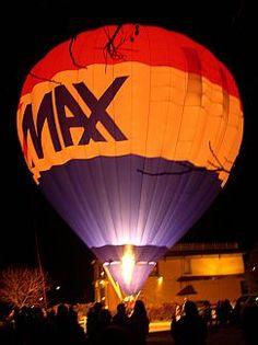 "RE/MAX Balloon ""Night Glow"""