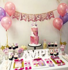 Cake, Desserts, Food, Cakes With Fondant, Candy Stations, Tailgate Desserts, Deserts, Kuchen, Essen