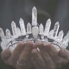 tiara crown made of rock quartz crystal points. Quartz Crystal, Rose Quartz, Clear Quartz, Crystal Diamond, Circlet, Tiaras And Crowns, Schmuck Design, Faeries, Teen Wolf