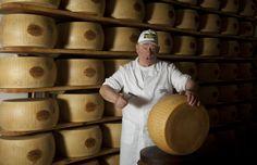 Giorgio il nostro maestro Casaro. Giorgio the Master Cheesemaker