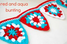 Red and aqua bunting. Love it! Link to free pattern. Just stunning, thanks so xox