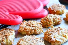 ''Fast food santé'' : Croquettes de poulet maison!  #recipe #blog #chickenbreast #eatright #healthyfood #croquettesdepoulet #recettesanté #poulet #nutritionist #nutritionniste Nutrition, Muffin, Cookies, Breakfast, Desserts, Food, Pret A Manger, Healthy Nutrition, Snacks