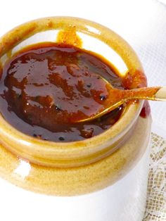 Yummy tamarind chutney-great for dipping samoosas & other savoury finger foods Tamarind Sauce, Tamarind Chutney, Tamarind Recipes, Coconut Chutney, Spicy Sauce, Trinidad Recipes, Sauce Creme, Trini Food, Comida India