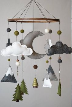 Woodland Nursery / Felt Mobile / Mountain Nursery / Felt Moon / Gray White Green / Nursery Decor / Cross / Monochrome / Scandinavian Decor - My best diy and crafts list Baby Boy Rooms, Baby Boy Nurseries, Baby Nursery Ideas For Boy, Babies Nursery, Baby Nursery Diy, Nursery Decor Boy, Nursery Mobiles, Nursery Crafts, Moon Nursery
