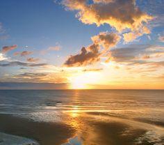 Foto: Marcus Zorbis/Flickr Jericoacoara, Ceará, é de tirar o fôlego o tempo todo: de dia, à noite e durante o pôr do sol também!