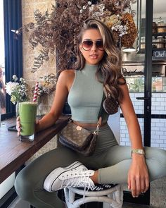 Sporty Outfits, Classy Outfits, Trendy Outfits, Cute Outfits, Fashion Outfits, Womens Fashion, Beautiful Outfits, Spring Summer Fashion, Spring Outfits