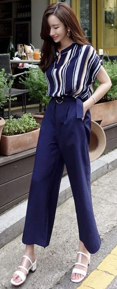 StyleOnme_Circle Buckle Wide Leg Pants #navy #wideleg #pants #koreanfashion #kstyle #kfashion #summertrend #dailylook