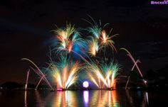 Fireworks by © Tom Bricker via Flickr.com