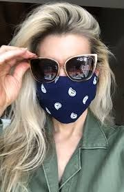 mask outfit inspiration - Ricerca Google Easy Face Masks, Diy Face Mask, How To Tie Bandana, Cute French Bulldog, Bandana Hairstyles, One Hair, Diy Mask, New Trends, Fashion Beauty