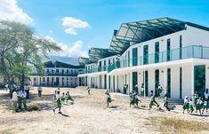 La Référence de Ganthier School / Studio PHH Architects | ArchDaily Image Facebook, Studio, Mansions, Architecture, House Styles, Schools, Home Decor, Gallery, Arquitetura